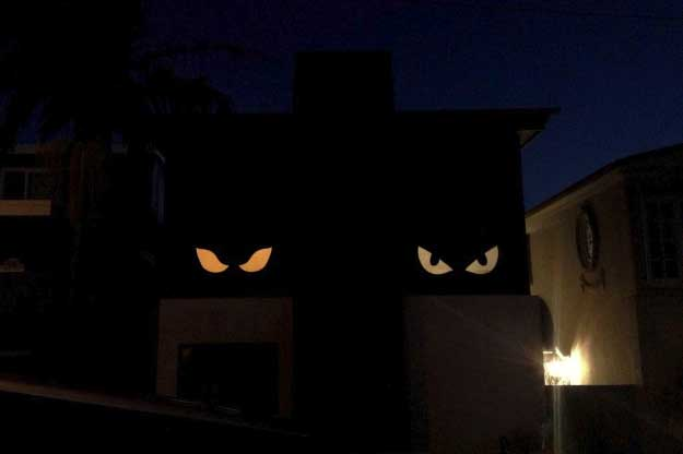 Easy DIY Halloween Decorations   Quick Ideas for Adults, Kids and Teens   Holiday Peepers