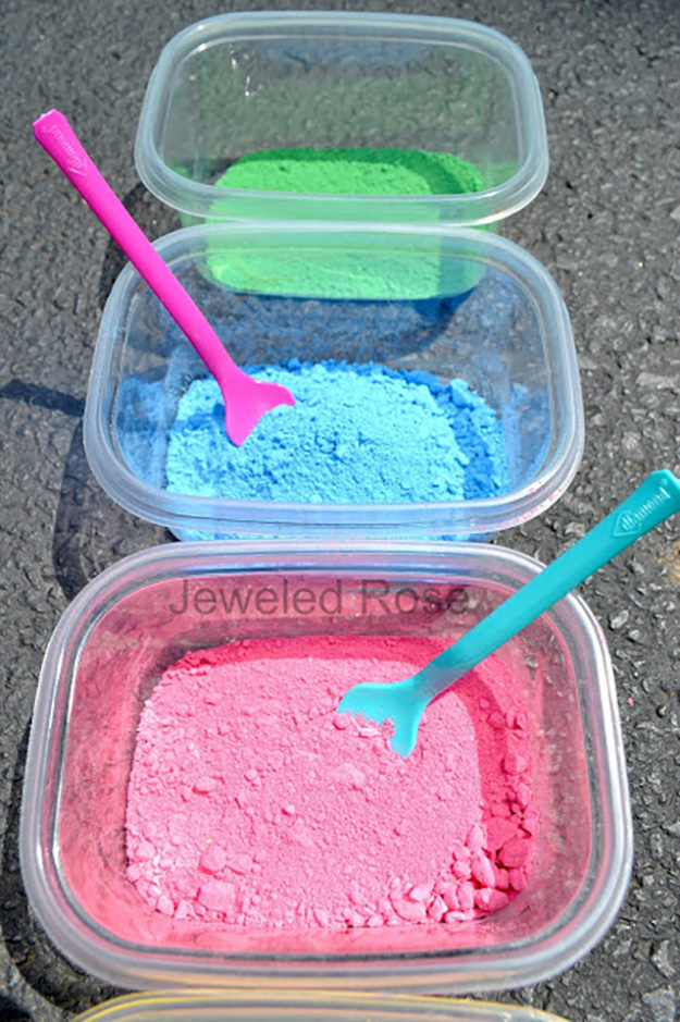 Fun & SImple Crafts Ideas for Kids   DIY Powder Paint   DIY Projects & Crafts by DIY JOY at http://diyjoy.com/pinterest-crafts-for-kids-diy-paint