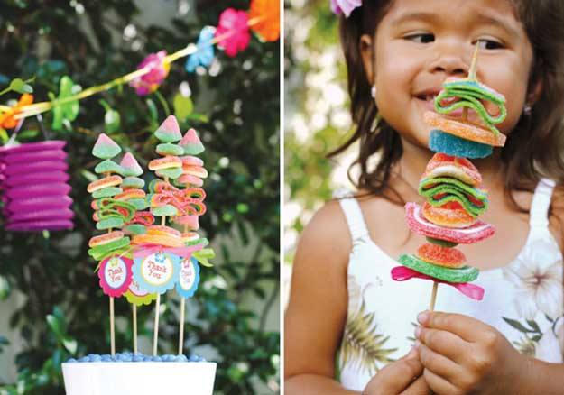 Labor Day Party DIY Kids Craft Ideas - DIY Gummy Candy Kabobs - DIY Projects & Crafts by DIY JOY at http://diyjoy.com/party-ideas-labor-day-food-diy-decor