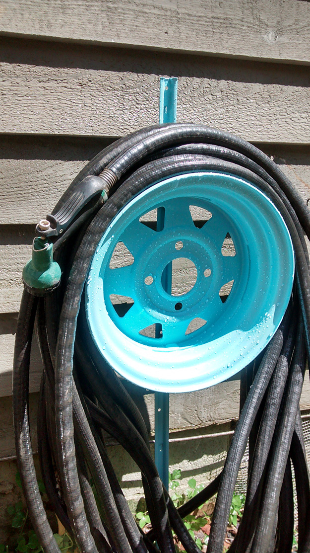 Old Car Parts DIY Projects - Tire Rims Recycled into Hose Reel - DIY Projects & Crafts by DIY JOY #diy