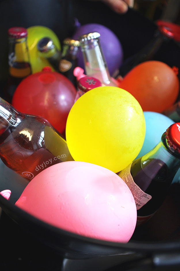 Easy DIY Party Decorations - Crafts for Kids Parties - DIY Frozen Water Balloons for Drinks - DIY Projects & Crafts by DIY JOY at http://diyjoy.com/pinterest-crafts-diy-party-decorations
