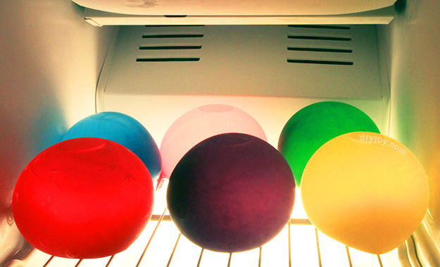 keep party drinks cold and colorful with frozen water balloons