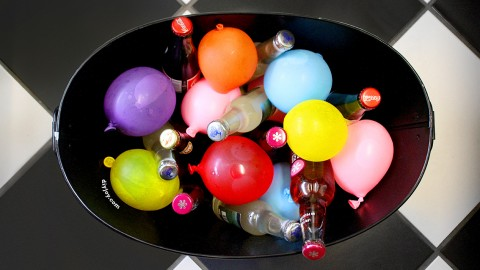 Keep Party Drinks Cold and Colorful with Frozen Water Balloons! | DIY Joy Projects and Crafts Ideas