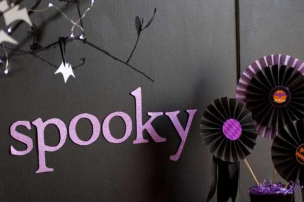 glam wall halloween paper decorations - Easy DIY Halloween ...
