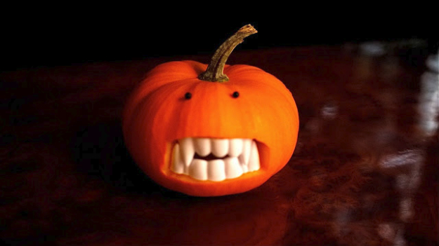 Easy Halloween decor Ideas - How to Make a Scary Pumpkin - Simple Pumkins for the Front Porch- Creative Halloween Home Decor Ideas