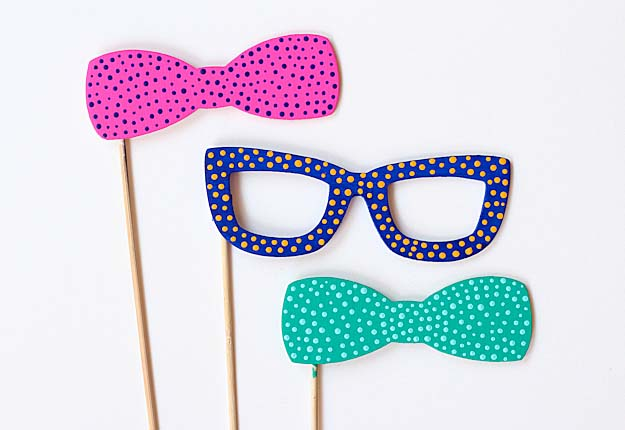Fun Diy Projects For Kids To Make Easy Diy Photobooth Props Diy