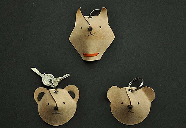 Fun DIY Projects for KIds to Make - Easy Do It Yourself Keychain Animals - DIY Projects & Crafts by DIY JOY #diy #quickcrafts #crafts #easycraftss