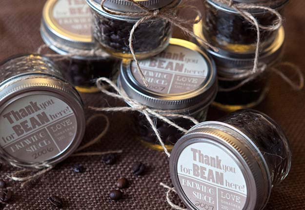 Cheap DIY Projects for Homemade Wedding Favors - Homemade Coffee Bean Wedding Favors - DIY Projects & Crafts by DIY JOY at http://diyjoy.com/quick-diy-projects-fast-crafts-ideas