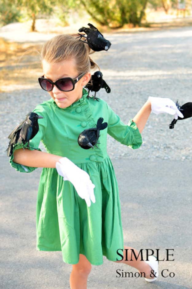 "Last Minute DIY Halloween Costumes - Quick Ideas for Adults, Kids and Teens - Alfred Hitchcock's ""The Birds"" Costume Tutorial"
