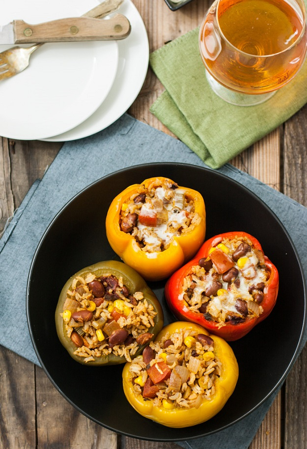 Easy & Healthy Crockpot Recipes - Slow Cooker Stuffed Bell Peppers - DIY Projects & Crafts by DIY JOY at http://diyjoy.com/crock-pot-recipes-slow-cooker-meals