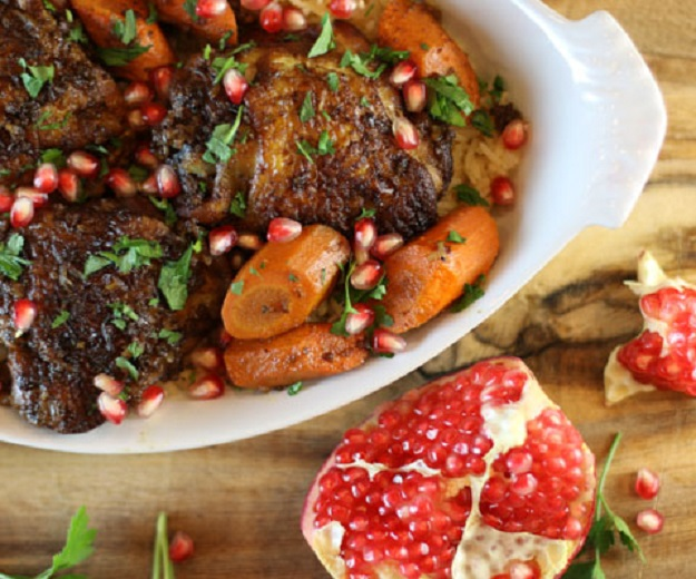 Healthy Crockpot Chicken Recipes - Easy Slow Cooker Chicken with Walnuts & Pomegranate - DIY Projects & Crafts by DIY JOY at http://diyjoy.com/crock-pot-recipes-slow-cooker-meal