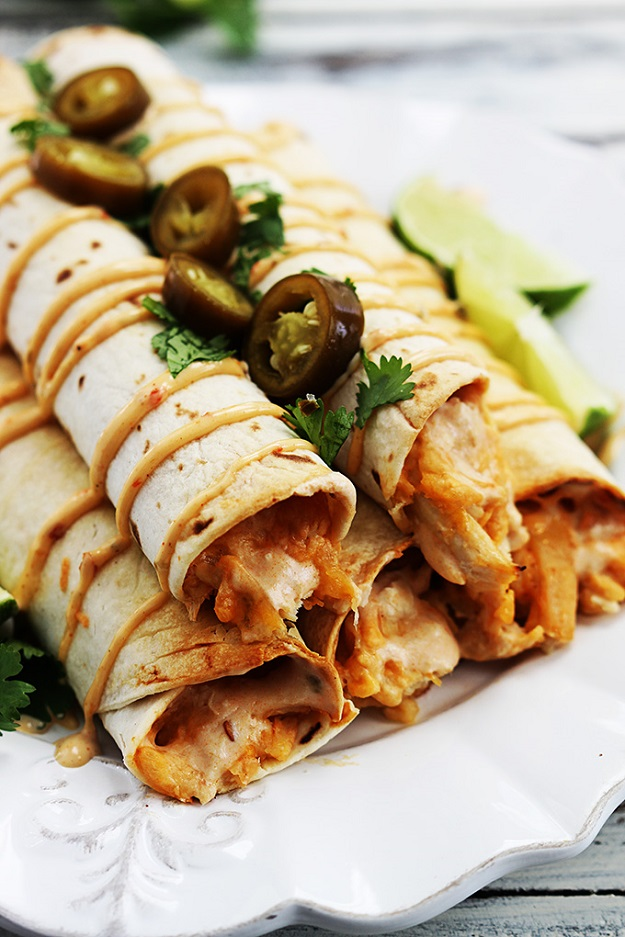Healthy Crockpot Chicken Meals - Slow Cooker Chipolte Chicken Taquitos - DIY Projects & Crafts by DIY JOY at http://diyjoy.com/crock-pot-recipes-slow-cooker-meal