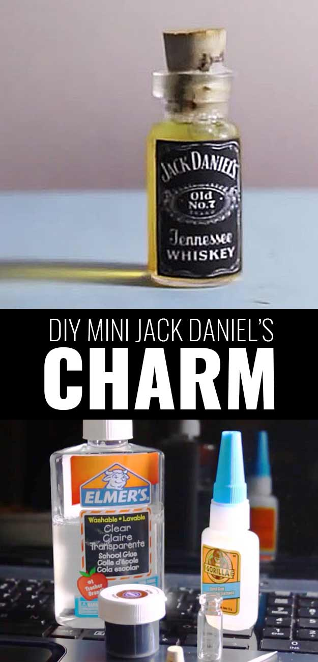 Fun DIY Ideas Made With Jack Daniels - Recipes, Projects and Crafts With The Bottle, Everything From Lamps and Decorations to Fudge and Cupcakes | Miniature Bottle Jack Daniels Charm #diy #jackdaniels #recipes #crafts
