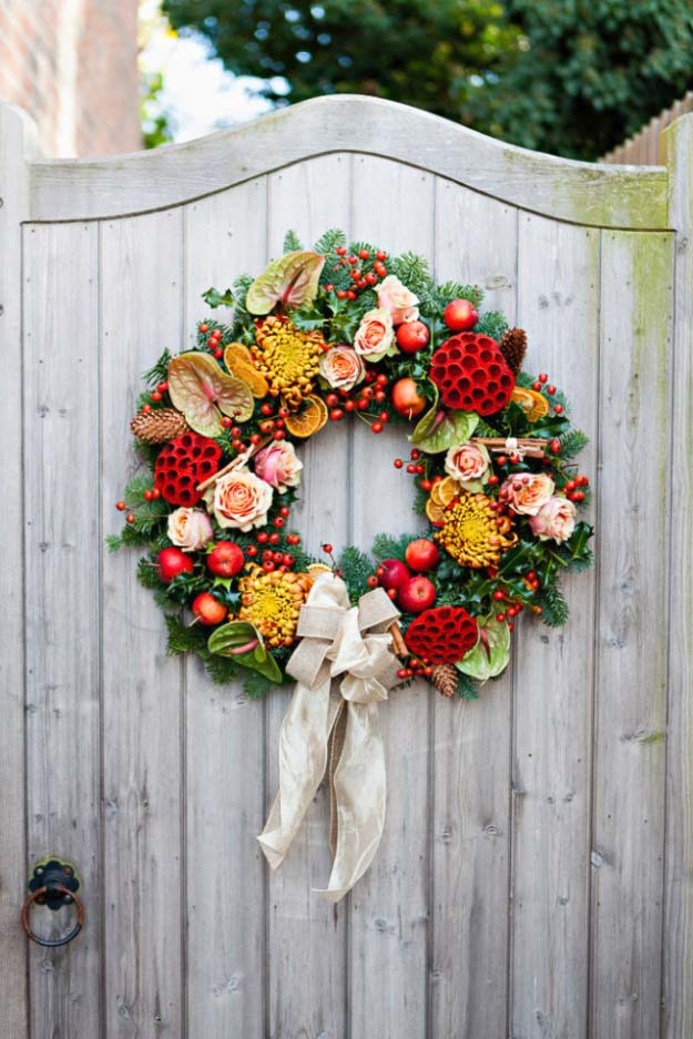 DIY Holiday Wreaths - Pretty Homemade Christmas Decorations for Your Front Door | Cool Crafts and DIY Projects by DIY JOY | All Time Favorite Traditional Christmas Wreath #diy