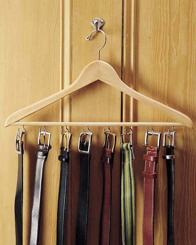 DIY Gifts For Men | Awesome Ideas for Your Boyfriend, Husband, Dad - Father , Brother Cool Homemade DIY Crafts Men Love to Receive for Christmas, Birthdays, Anniversaries and Valentine's Day | Belt Rack #diygifts #diyideas #crafts