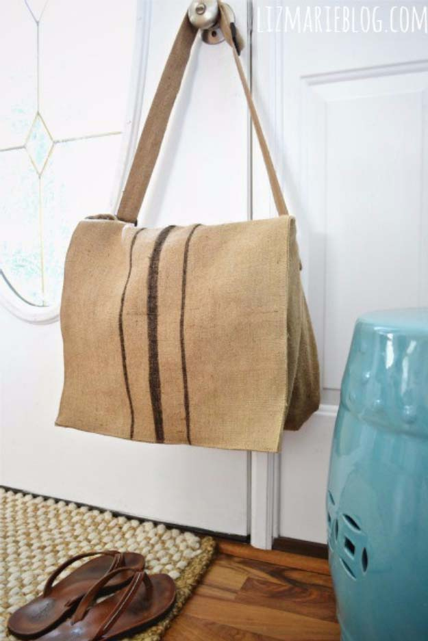 DIY Projects with Burlap and Creative Burlap Crafts for Home Decor, Gifts and More | Burlap Messenger Bag