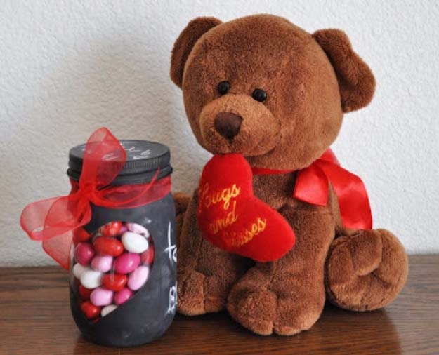 Homemade DIY Gifts in A Jar | Best Mason Jar Cookie Mixes and Recipes, Alcohol Mixers | Fun Gift Ideas for Men, Women, Teens, Kids, Teacher, Mom. Christmas, Holiday, Birthday and Easy Last Minute Gifts | Chalkboard Inspired Assorted Candies in a Jar | http://diyjoy.com/diy-gifts-in-a-jar