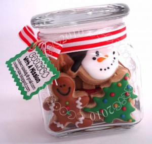 Christmas cookies gifts in a jar