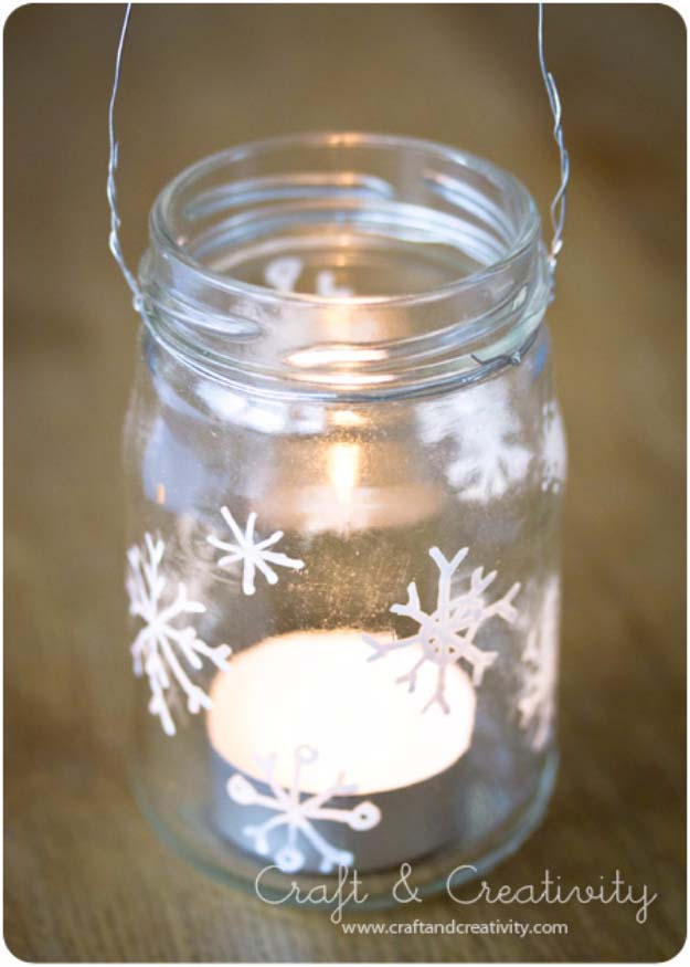 Awesome DIY Christmas Home Decorations and Homemade Holiday Decor Ideas - Quick and Easy Decorating ideas, cool ornaments, home decor crafts and fun Christmas stuff | Crafts and DIY projects by DIY Joy | Christmas Glass Jars #diy #crafts #christmas