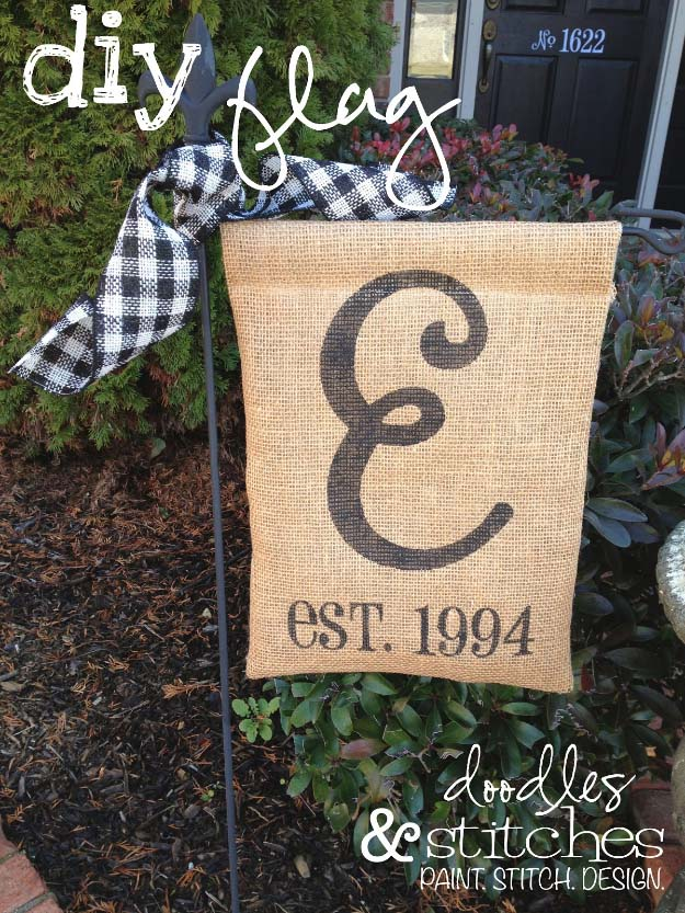 DIY Projects with Burlap and Creative Burlap Crafts for Home Decor, Gifts and More | DIY Burlap Flag | http://diyjoy.com/diy-projects-with-burlap