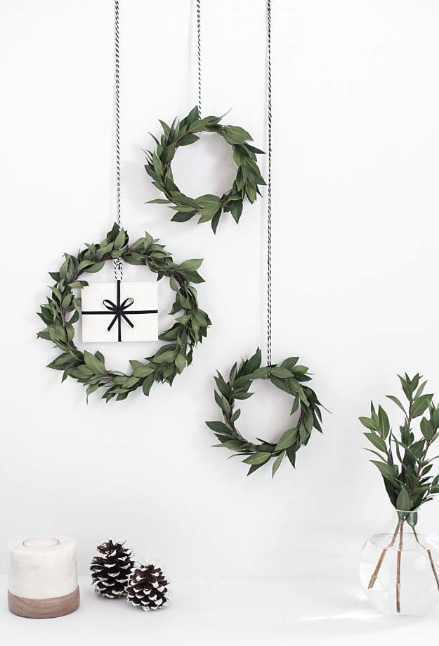 DIY Holiday Wreaths Make Awesome Homemade Christmas Decorations for Your Front Door | Cool Crafts and DIY Projects by DIY JOY | DIY Gift Card Mini Wreath #diy