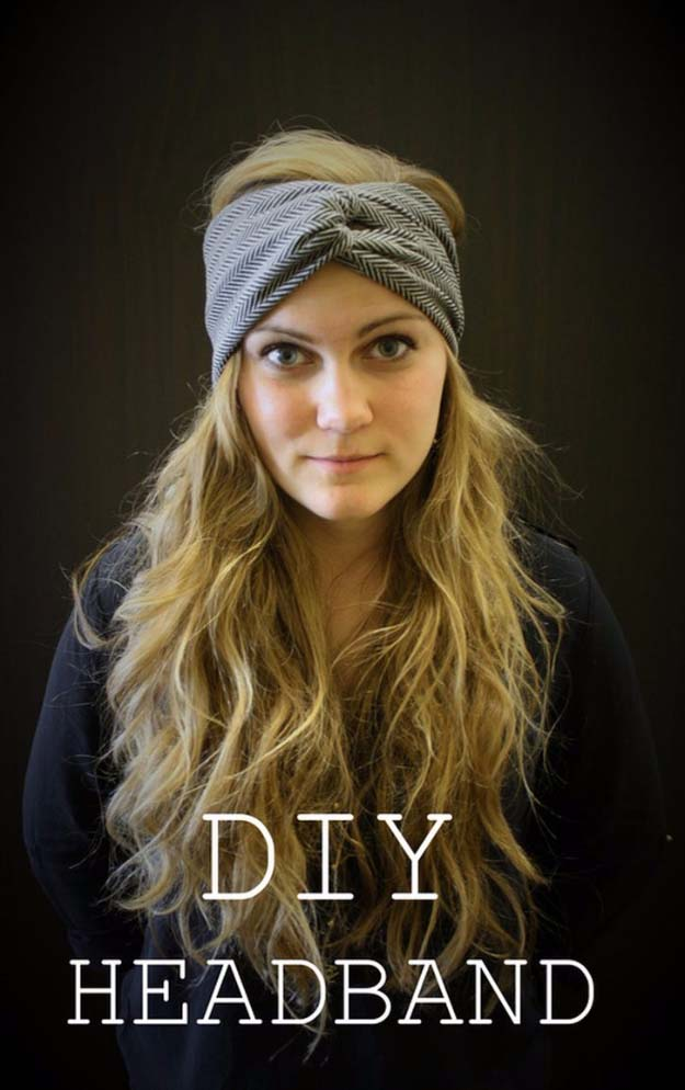 DIY Gifts for Your Girlfriend and Cool Homemade Gift Ideas for Her | Easy Creative DIY Projects and Tutorials for Christmas, Birthday and Anniversary Gifts for Mom, Sister, Aunt, Teacher or Friends | DIY Knotted Winter Headband for Sophisticated DIY Fashion #diygifts #diyideas