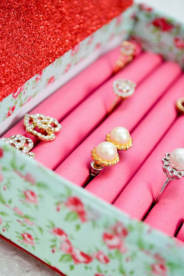 DIY Gifts for Your Girlfriend and Cool Homemade Gift Ideas for Her | Easy Creative DIY Projects and Tutorials for Christmas, Birthday and Anniversary Gifts for Mom, Sister, Aunt, Teacher or Friends | DIY Ring and Jewelry Box - Homemade DIY Jewelry Organizer | Cool Crafts and DIY Projects by DIY JOY http://diyjoy.com/diy-gifts-for-her-girlfriend-mom