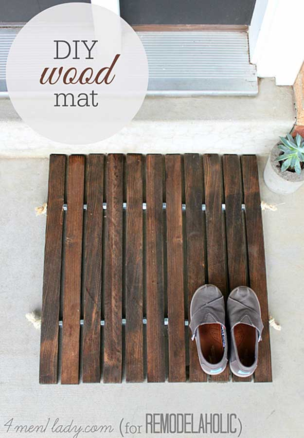 Awesome Crafts for Men and Manly DIY Project Ideas Guys Love - Fun Gifts, Manly Decor, Games and Gear. Tutorials for Creative Projects to Make This Weekend | DIY Wood Stake Door Mat #diy #craftsformen #guys #giftsformen