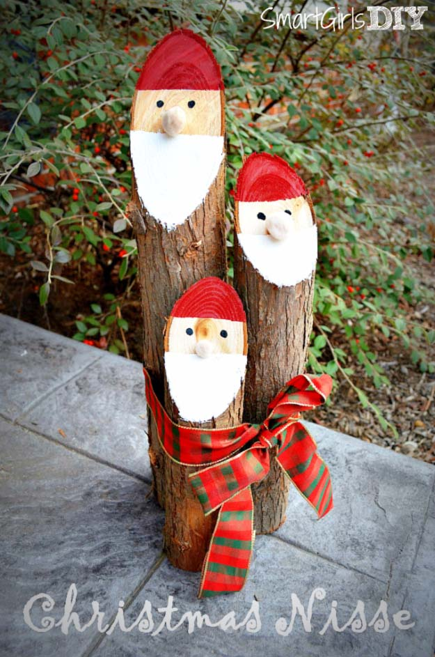 Awesome DIY Christmas Home Decorations and Homemade Holiday Decor Ideas - Quick and Easy Decorating ideas, cool ornaments, home decor crafts and fun Christmas stuff | Crafts and DIY projects by DIY Joy | Danish Niss Logs Santa #diy #crafts #christmas