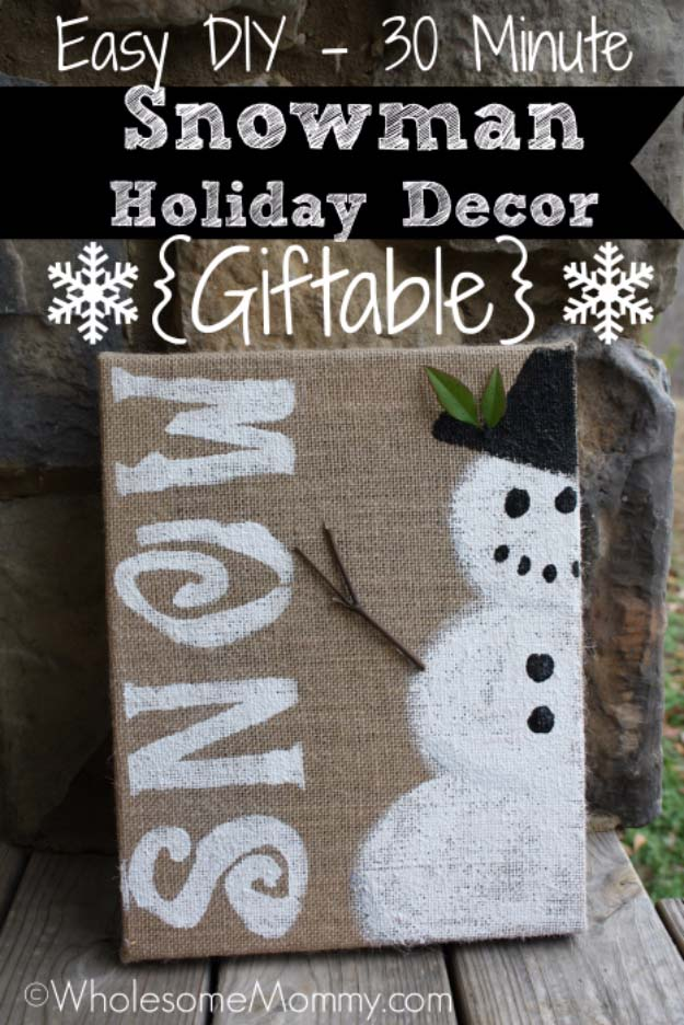 Awesome DIY Christmas Home Decorations and Homemade Holiday Decor Ideas - Quick and Easy Decorating ideas, cool ornaments, home decor crafts and fun Christmas stuff | Crafts and DIY projects by DIY Joy | Easy Snowman Holiday Decor #diy #crafts #christmas