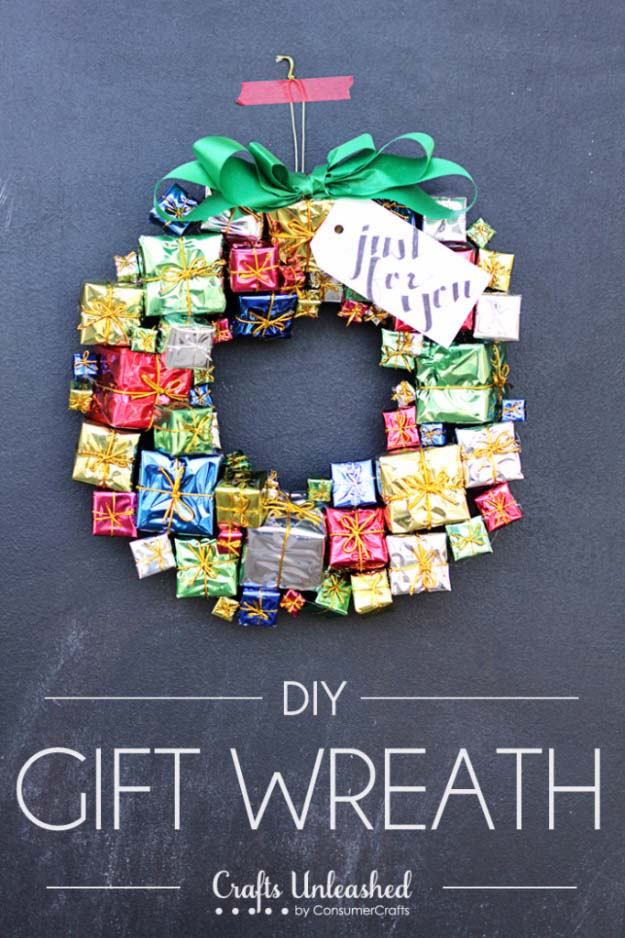 DIY Holiday Wreaths Make Awesome Homemade Christmas Decorations for Your Front Door | Cool Crafts and DIY Projects by DIY JOY | Gift Box Christmas Wreath #diy