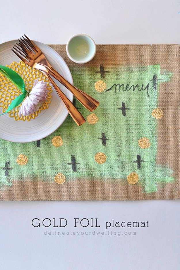 DIY Projects with Burlap and Creative Burlap Crafts for Home Decor, Gifts and More | Gold Foil Burlap Placemats |  http://diyjoy.com/diy-projects-with-burlap