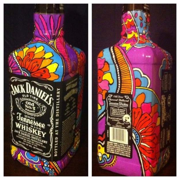 Fun DIY Ideas Made With Jack Daniels - Recipes, Projects and Crafts With The Bottle, Everything From Lamps and Decorations to Fudge and Cupcakes | Jack Daniels Bottle Art Idea #diy #jackdaniels #recipes #crafts