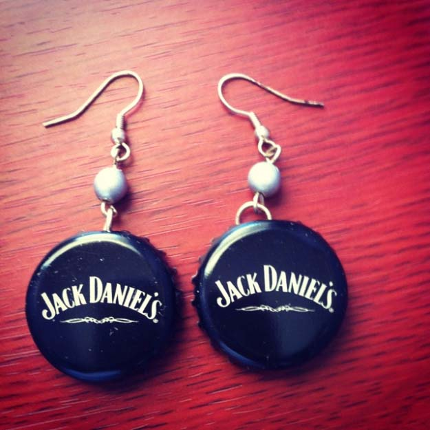 Fun DIY Ideas Made With Jack Daniels - Recipes, Projects and Crafts With The Bottle, Everything From Lamps and Decorations to Fudge and Cupcakes | Jack Daniels Bottle Cap Earrings #diy #jackdaniels #recipes #crafts