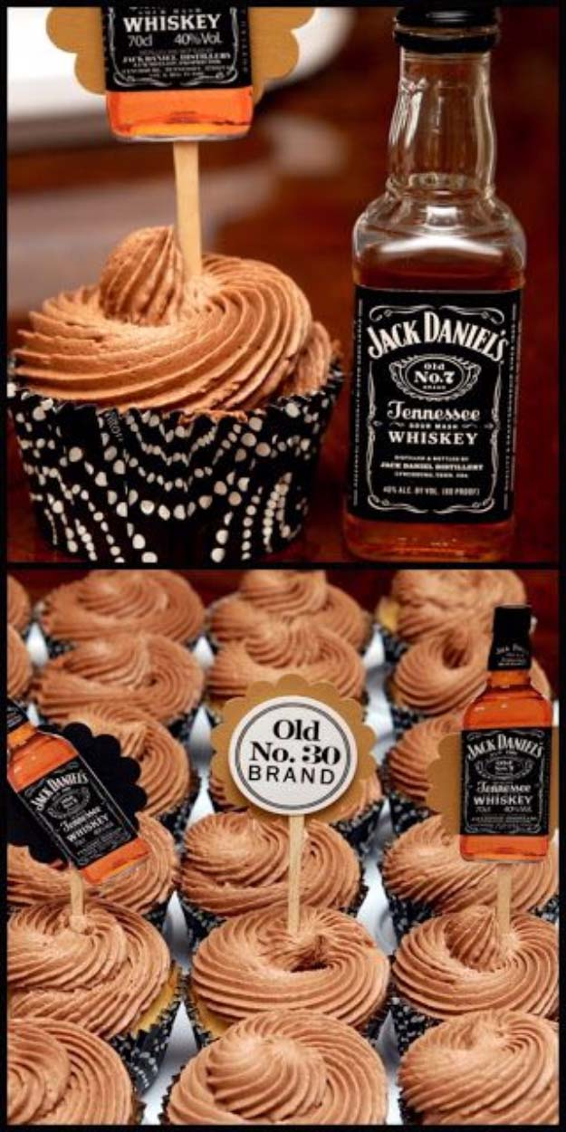 Fun DIY Ideas Made With Jack Daniels - Recipes, Projects and Crafts With The Bottle, Everything From Lamps and Decorations to Fudge and Cupcakes | Jack Daniels Cupcakes for the Grown Ups #diy #jackdaniels #recipes #crafts