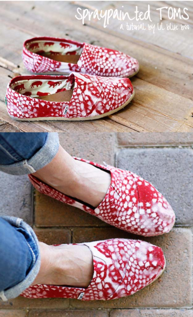 DIY Crafts You Can Make with Lace | Cool DIY Ideas for Fashion, Decor, Gifts, Jewelry and Home Accessories Made With Lace | Lace Painted Slip-ons | http://diyjoy.com/diy-crafts-ideas-with-lace