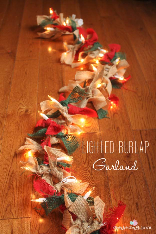 Awesome DIY Christmas Home Decorations and Homemade Holiday Decor Ideas - Quick and Easy Decorating ideas, cool ornaments, home decor crafts and fun Christmas stuff | Crafts and DIY projects by DIY Joy | Lighted Burlap Garland #diy #crafts #christmas