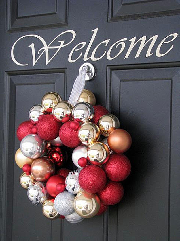 DIY Holiday Wreaths Make Awesome Homemade Christmas Decorations for Your Front Door | Cool Crafts and DIY Projects by DIY JOY | Ornament-Wreath #diy