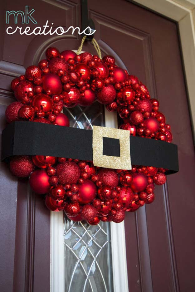 DIY Holiday Wreaths Make Awesome Homemade Christmas Decorations for Your Front Door | Cool Crafts and DIY Projects by DIY JOY | Santa Christmas Ball Wreath | http://diyjoy.com/diy-christmas-decorations-wreaths