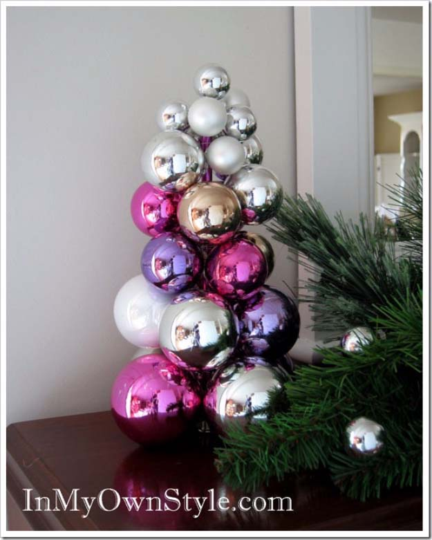 Awesome DIY Christmas Home Decorations and Homemade Holiday Decor Ideas - Quick and Easy Decorating ideas, cool ornaments, home decor crafts and fun Christmas stuff | Crafts and DIY projects by DIY Joy | Tabletop Knitting Needle Ornament Tree #diy #crafts #christmas
