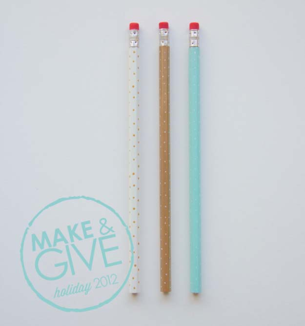 Cheap Stocking Stuffer Ideas for Kids, Adults and Teens | Easy DIY Crafts Ideas for Christmas Gifts | DIY Polka Dot Pencils
