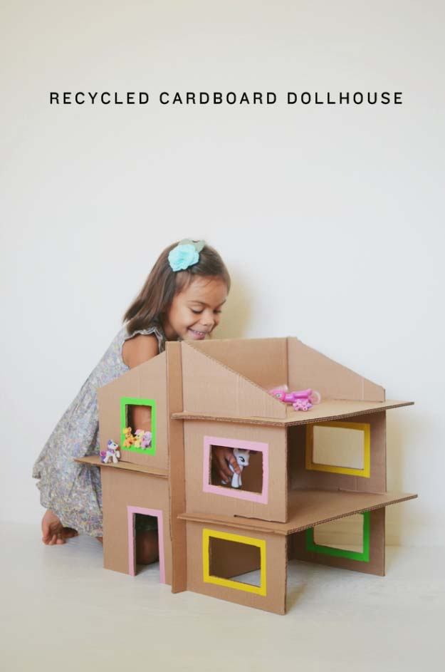 DIY Christmas Gifts for Kids - Homemade Christmas Presents for Children and Christmas Crafts for Kids   Toys, Dress Up Clothes, Dolls and Fun Games   Step by Step tutorials and instructions for cool gifts to make for boys and girls   DIY Recycled Cardboard Dollhouse