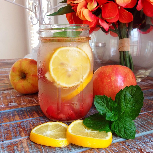 31 Detox Water Recipes for Drinks To Cleanse Skin and Body. Easy to Make Waters and Tea Promote Health, Diet and Support Weight loss | Detox Water Recipe for Craving Control and Beautiful Skin #detox #recipes #detoxwater #healthy
