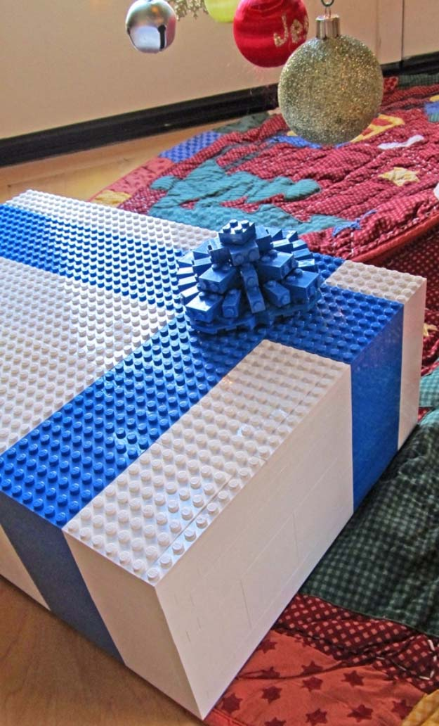 DIY Gift Wrapping Ideas - How To Wrap A Present - Tutorials, Cool Ideas and Instructions | Cute Gift Wrap Ideas for Christmas, Birthdays and Holidays | Tips for Bows and Creative Wrapping Papers | Lego Gift Wrapped Box Idea #gifts #diys