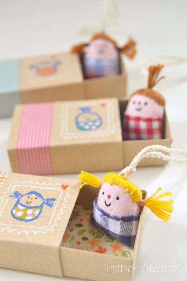 DIY Christmas Gifts for Kids - Homemade Christmas Presents for Children and Christmas Crafts for Kids   Toys, Dress Up Clothes, Dolls and Fun Games   Step by Step tutorials and instructions for cool gifts to make for boys and girls   Miniature Dolls with Beds