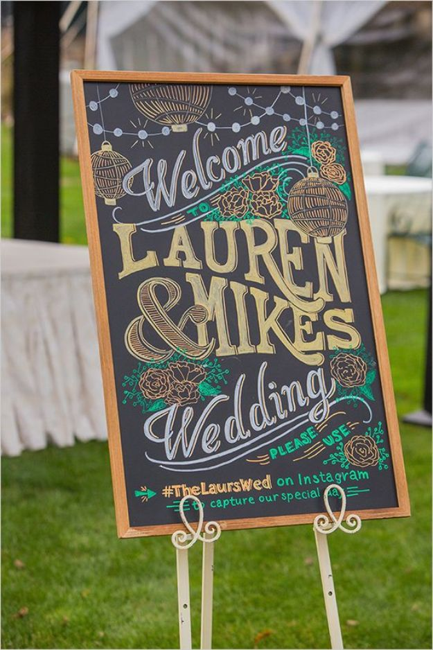 DIY Chalkboard Paint Ideas for Furniture Projects, Home Decor, Kitchen, Bedroom, Signs and Crafts for Teens. | Chalkboard Welcome Sign
