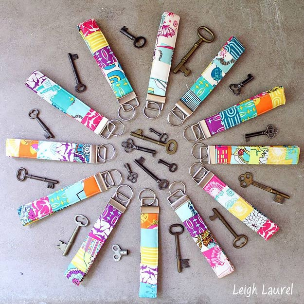 76 Crafts To Make and Sell - Easy DIY Ideas for Cheap Things To Sell on Etsy, Online and for Craft Fairs. Make Money with These Homemade Crafts for Teens, Kids, Christmas, Summer, Mother's Day Gifts. | Colorful Key Fobs #crafts #diy