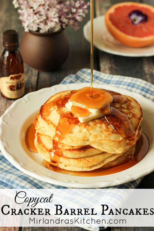 Copycat Recipes From Top Restaurants. Best Recipe Knockoffs from Chipotle, Starbucks, Olive Garden, Cinabbon, Cracker Barrel, Taco Bell, Cheesecake Factory, KFC, Mc Donalds, Red Lobster, Panda Express | Copycat Cracker Barrel Pancakes | #recipes #copycatrecipes