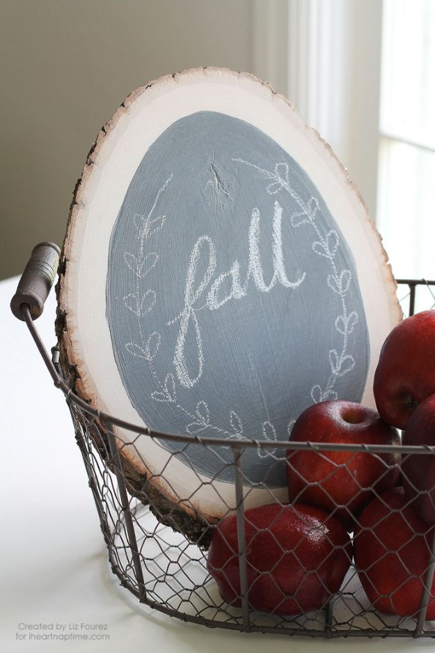 DIY Chalkboard Paint Ideas for Furniture Projects, Home Decor, Kitchen, Bedroom, Signs and Crafts for Teens.   DIY Chalkboard Sign   http://diyjoy.com/diy-chalkboard-paint-ideas