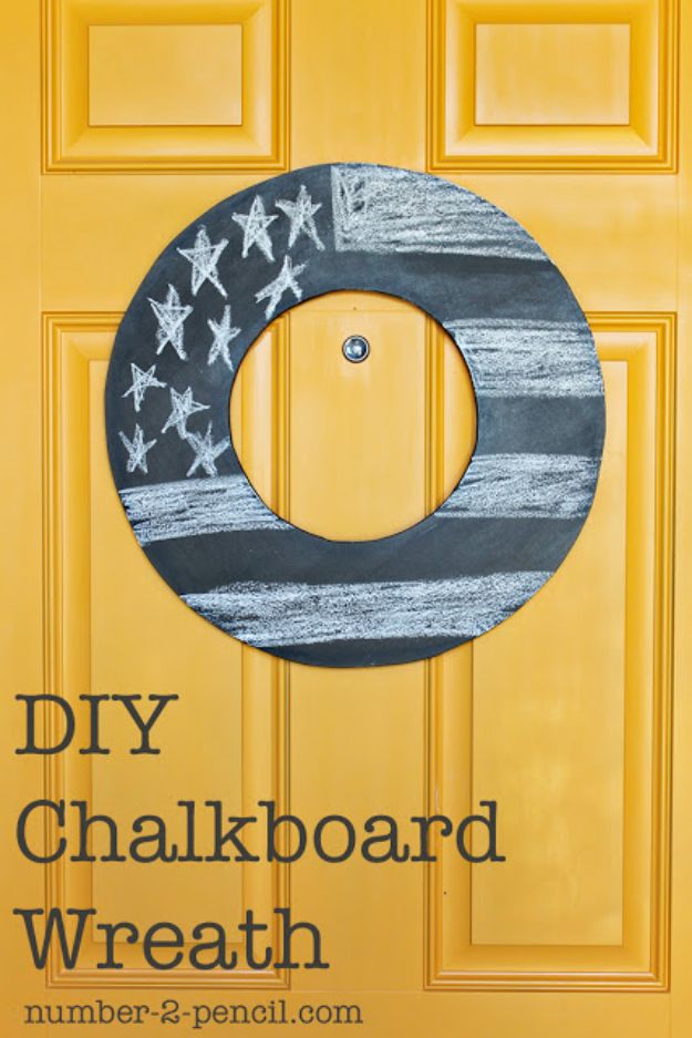 DIY Chalkboard Paint Ideas for Furniture Projects, Home Decor, Kitchen, Bedroom, Signs and Crafts for Teens. | DIY Chalkboard Wreath | http://diyjoy.com/diy-chalkboard-paint-ideas